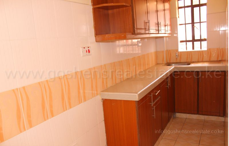 Classic spacious one and two bedrooms accessible via car Ivy Apartments